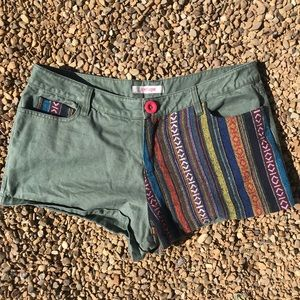Refuge tribal adventure shorts